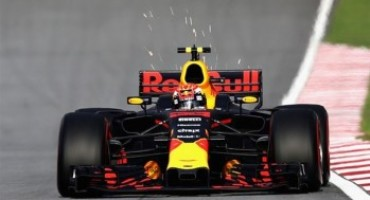 Formula 1 – GP Malesia, Verstappen si impone davanti a Hamilton e Ricciardo. Quarto Vettel