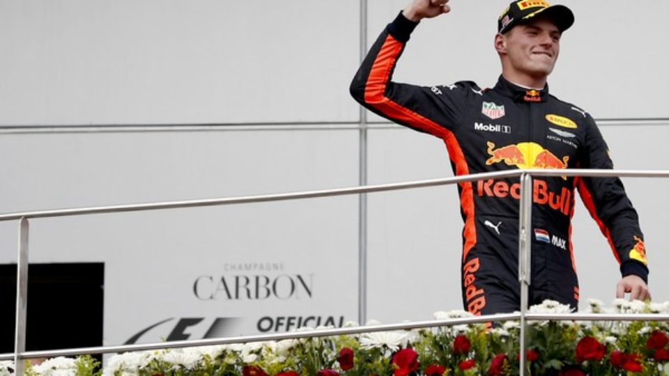 Max-Verstappen-winner-GP-Malesia-2017.jpg