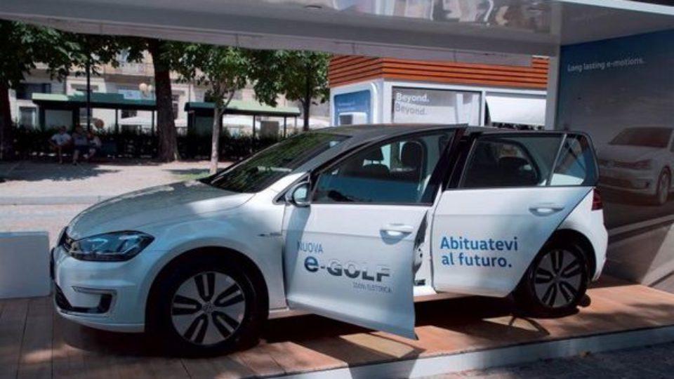 Volkswagen-e-Roadshow-Padova.jpg