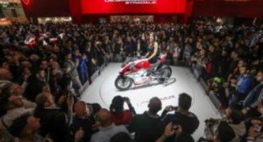 Ducati Panigale V4, per il pubblico di EICMA 2017 è lei la più bella