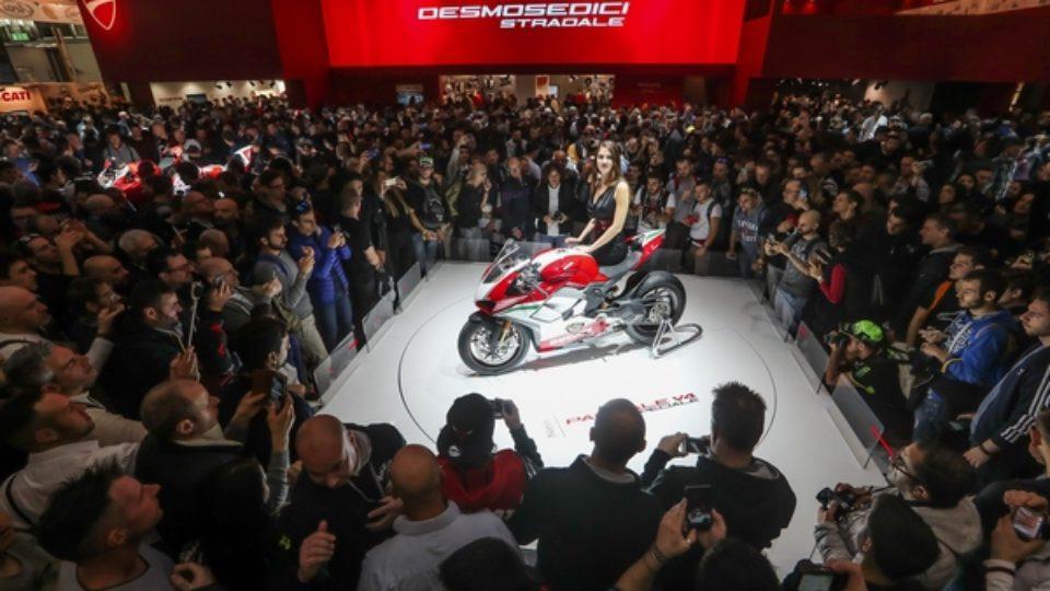 EICMA-2017-Ducati-Panigale-V4.jpg
