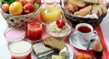 Viaggare in auto: l'importanza della prima colazione