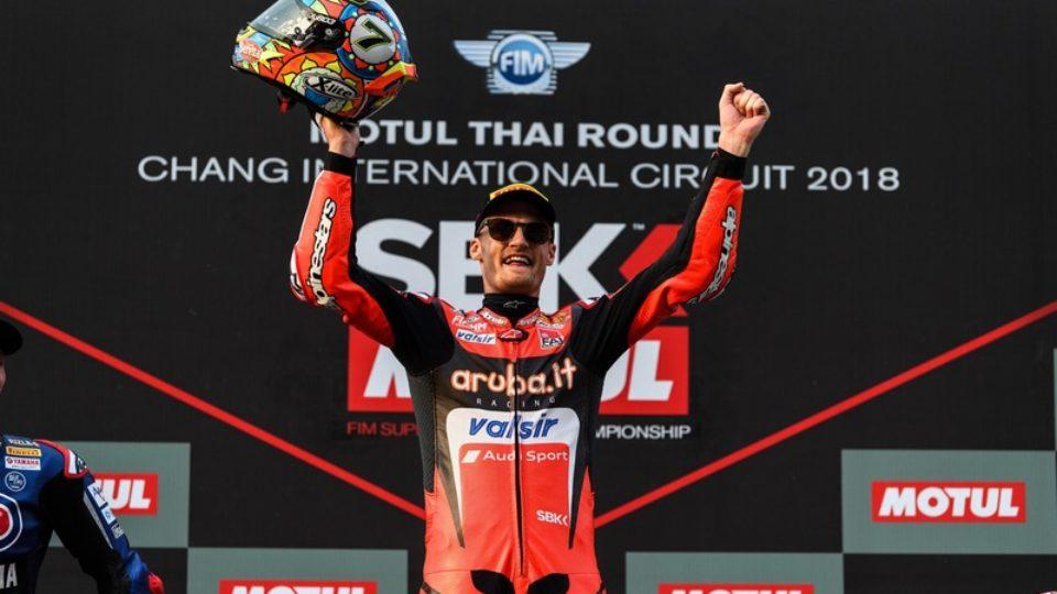 Chaz-Davies-GP-Thailandia-trionfa-in-Gara-2.jpg