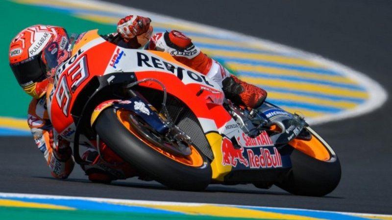 MotoGP, Marquez domina a Le Mans davanti e Petrucci e Rossi. Disastro Ducati