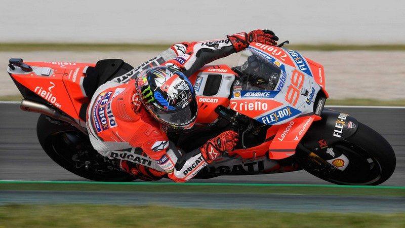 MotoGP, Lorenzo domina le libere del GP di Catalunya