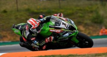 WSBK, Rea domina Gara 1 a Brno