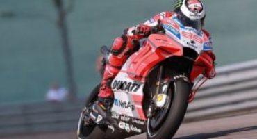 MotoGP, Lorenzo chiude in testa le libere del Sachsenring