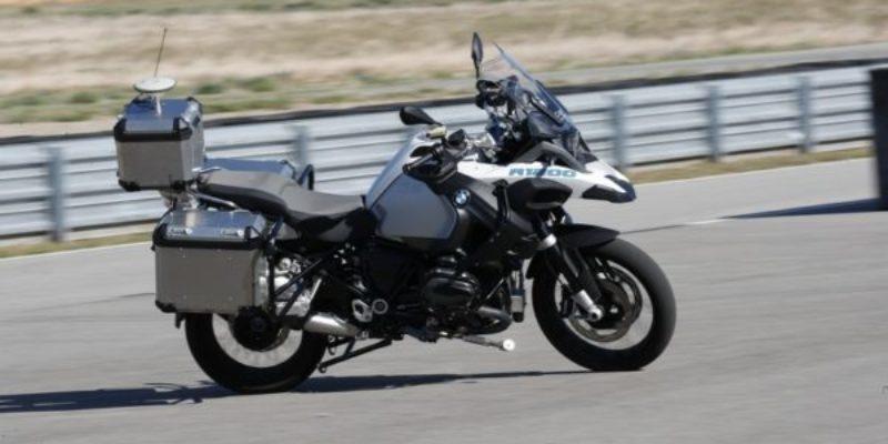 BMW-R-1200-GS-a-guida-autonoma.jpg