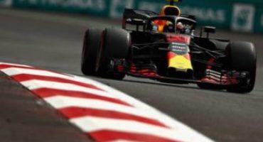 Formula 1 – GP Messico, Verstappen centra la vittoria davanti alle rosse. Hamilton campione del mondo