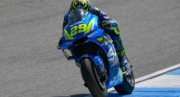 MotoGP, Iannone chiude al comando le libere a Phillip Island