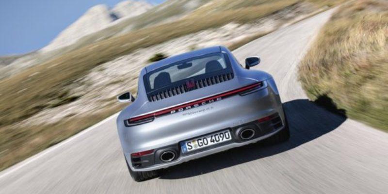 Nuova-Porsche-911-Carrera-4S...jpg