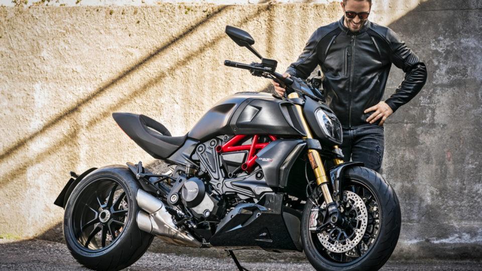 Ducati-Diavel-1260-e-Dovizioso.jpg