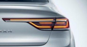 Renault svela la nuova Talisman, tecnologica e ancora più elegante, grazie alla nuova firma luminosa