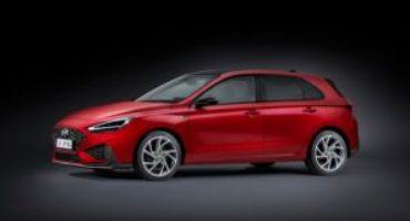 Nuova Hyundai i30, elegante, efficiente, porta al debutto il nuovo sistema ibrido da 48V