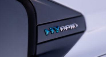 Peugeot completa la gamma elettrificata