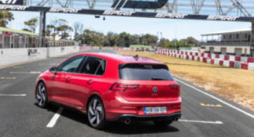 Volkswagen Golf Gti 8, la compatta sportiva si allinea all'ottava generazione