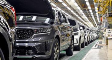 Kia, al via la produzione del nuovo Sorento Hybrid. Sarà anche Plug-in