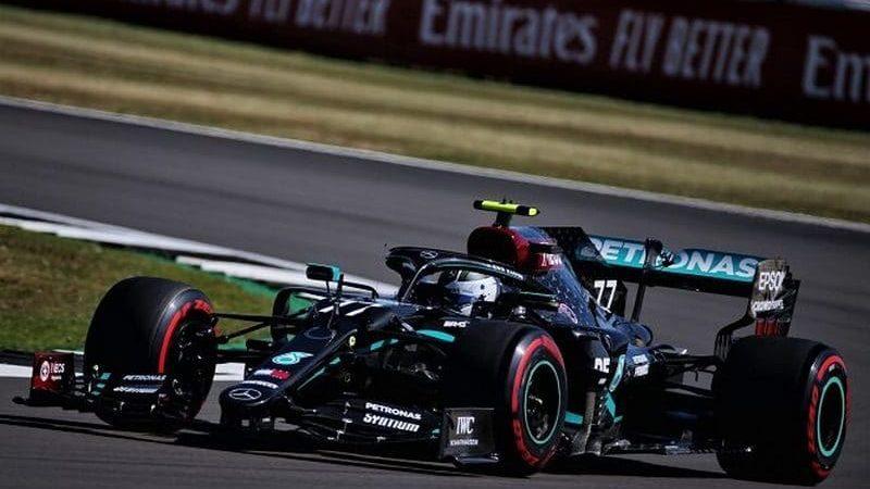 Formula 1 – GP del 70° anniversario, Bottas in pole davanti a Hamilton e Hulkenberg. Male le Ferrari