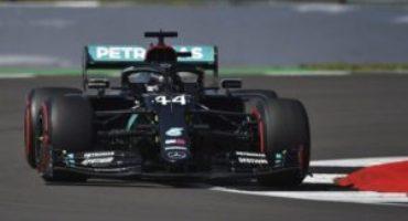 Formula 1 – GP Gran Bretagna, Hamilton vince su tre ruote davanti a Verstappen e Leclerc