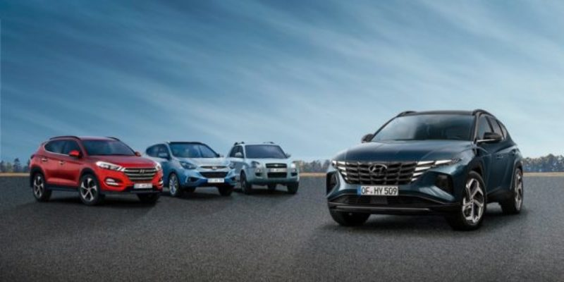 Hyundai-Tucson_all-generations.jpg